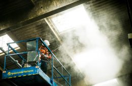 Industrial-warehouse-cleaning